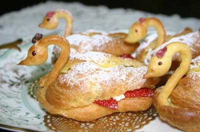 Swan puff